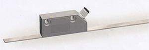 EMAX-HI •小型高精度のアブソリュート測定リニアエンコーダ •磁気式アブソリュート 測長システム •高分解能 1 μm •高応答速度 1 m/sec. •各種インタフェース対応 •インクリメンタル信号の同時使用可能 •多数個使いにアドレッサブル・シリアル配線可能